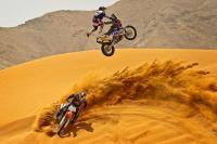 Стънт сред дюните на Дубай и Абу Даби
