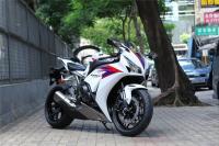 Първи снимки на Honda CBR1000RR Fireblade 2012